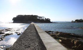 筒島(弁天島)