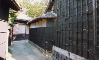 黒壁の西集落