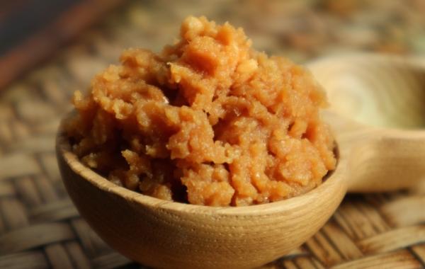 味噌 ~色と味の濃さは、高い栄養価の証~